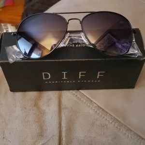 Nwt diff cruz sunglasses